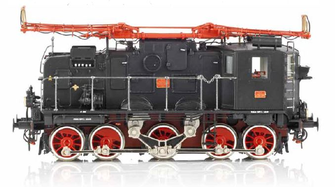 Il trifase E 552 è il primo modellino sul mercato con il marchio Artuffo