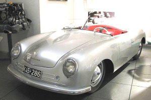 La vera Porsche Numero 1, conservata nel museo di Zuffenhausen, Stoccarda.